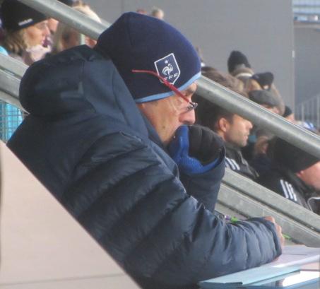 Der Scout vom franzöischen Verband interessierte sich vor allem für die finnischen Standards. Die filmte er mit seinem iPad.